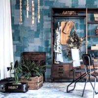 壁にもガラスにも、貼るだけで印象をガラッと変える壁紙!有効活用方法をご紹介♪