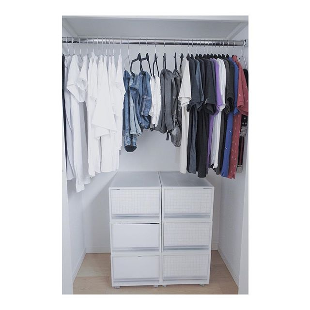 クローゼットでの衣類収納に使えるアイテム6