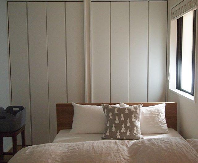 東側に位置するベッドルームを明るく