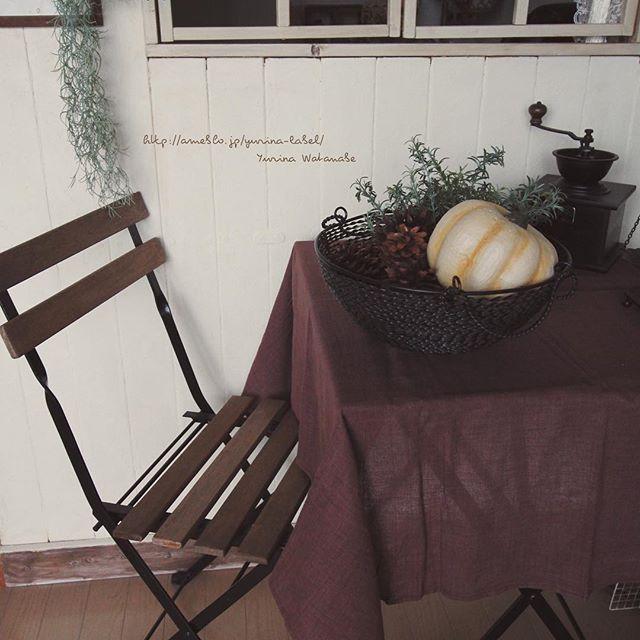 ワインレッドのテーブルクロス