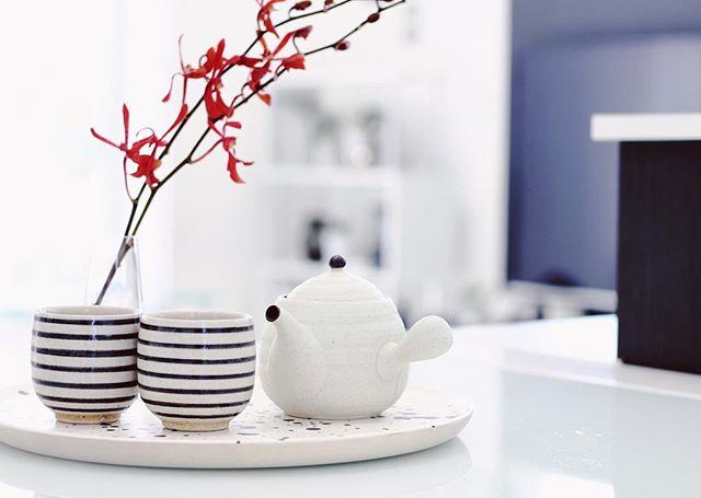 ボーダー模様の湯呑み茶碗
