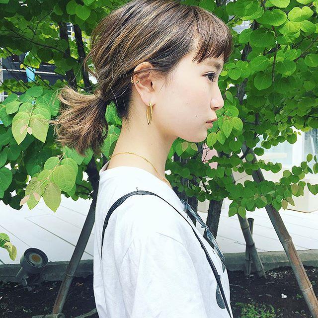 短い前髪のポニーテール2