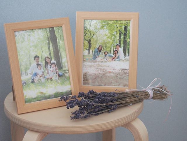 家族一緒の写真を飾る