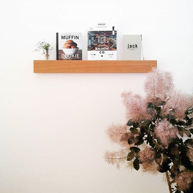 壁に取り付けられる家具