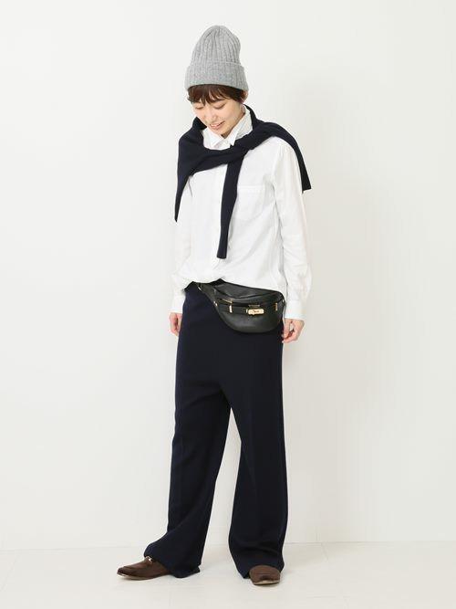 【ローファー】のちょっぴりモードな大人ファッション2
