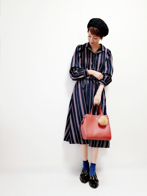 【ローファー】の秋っぽレトロファッション1