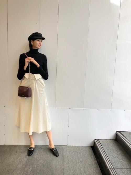 【ローファー】のちょっぴりモードな大人ファッション1