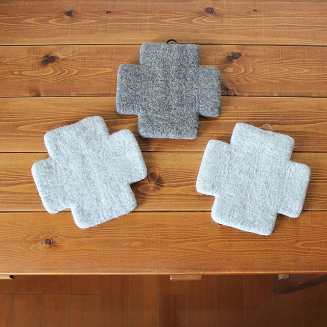 手作り羊毛フェルトのクロスポットマット