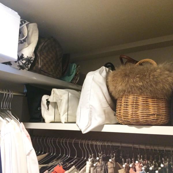 クローゼットでの衣類収納に使えるアイテム8