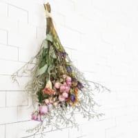 ギュッとしばって吊るすだけ!可愛いスワッグで植物のある暮らしをしよう♡