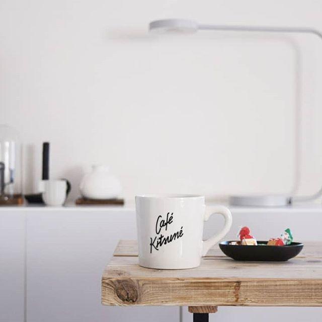 カフェキツネのロゴ入りマグカップ