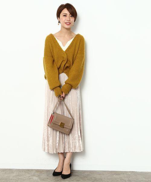 ベロア素材のプリーツスカート