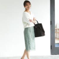 フェミニンな「レースタイトスカート」で華やかさをプラス☆秋コーデ16選