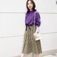 《小花柄スカート》で一枚上手の女性に♡ワンランク上のスカートコーデ集