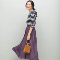 あなたも今すぐ欲しくなる!秋に映える「カラースカート」を使ったコーデ