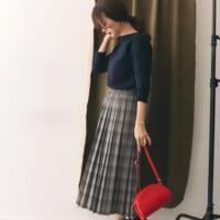 グレーのスカートで上品女子になる♡カラーを変えるだけでここまで大人っぽい!