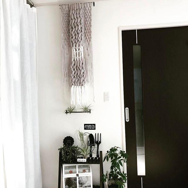 毛糸で編まれたタペストリー
