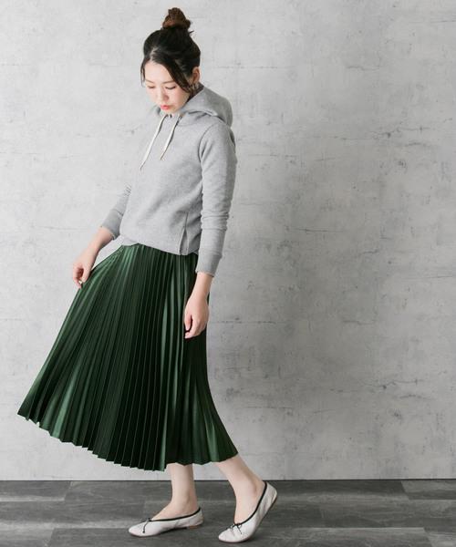 グリーンカラープリーツスカート