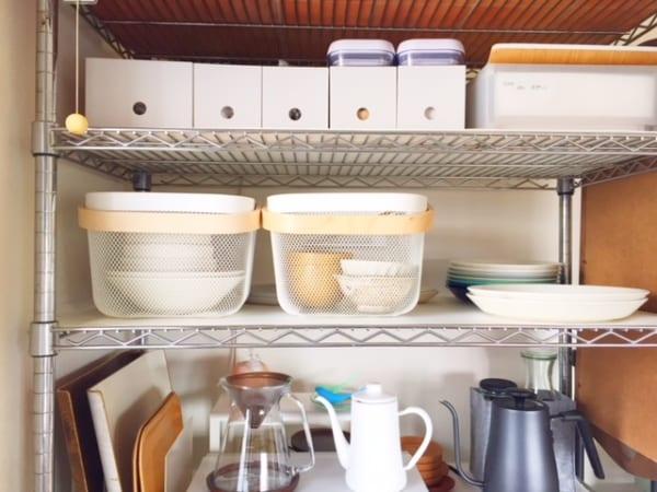 【ダイソー】のカゴで食器を収納5