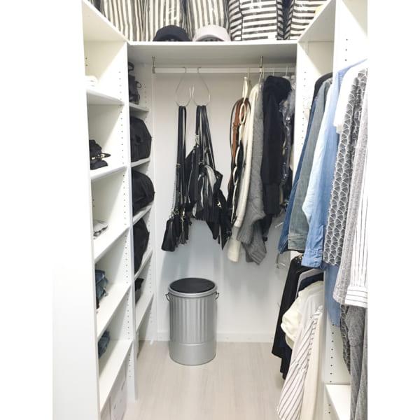 コート収納①クローゼットにコートを収納した実例2