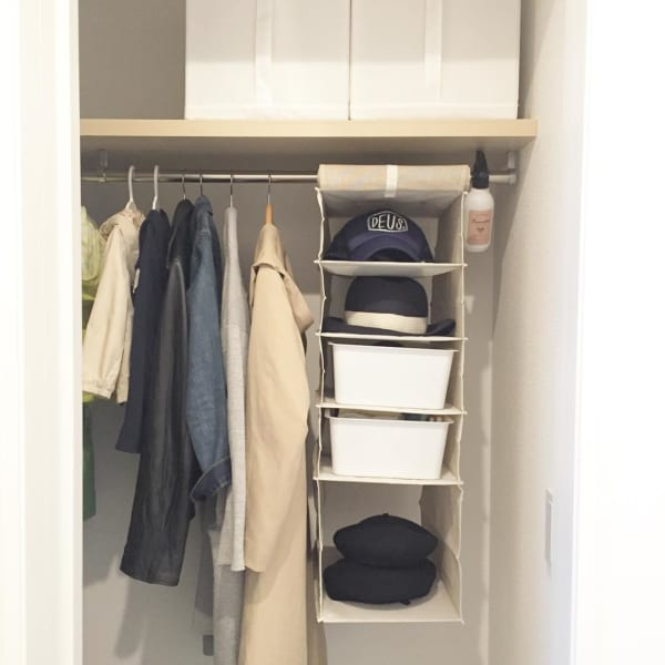 クローゼットでの衣類収納に使えるアイテム4