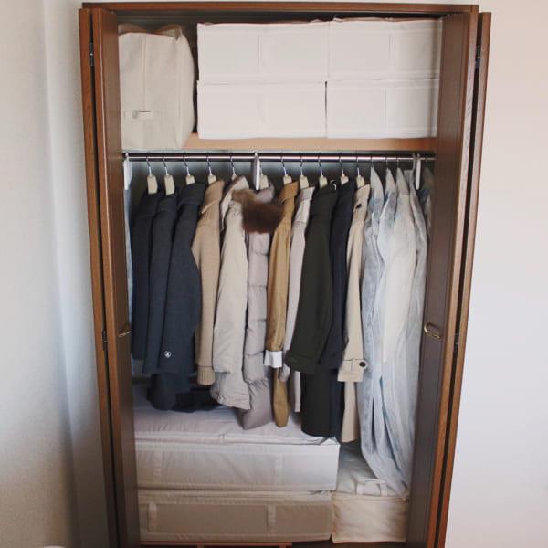 コート収納①クローゼットにコートを収納した実例3