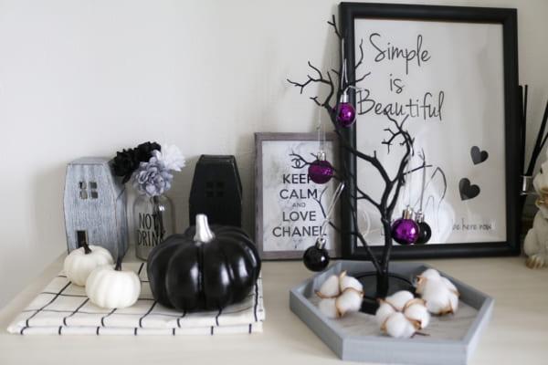 かぼちゃや枯れ木のオブジェも