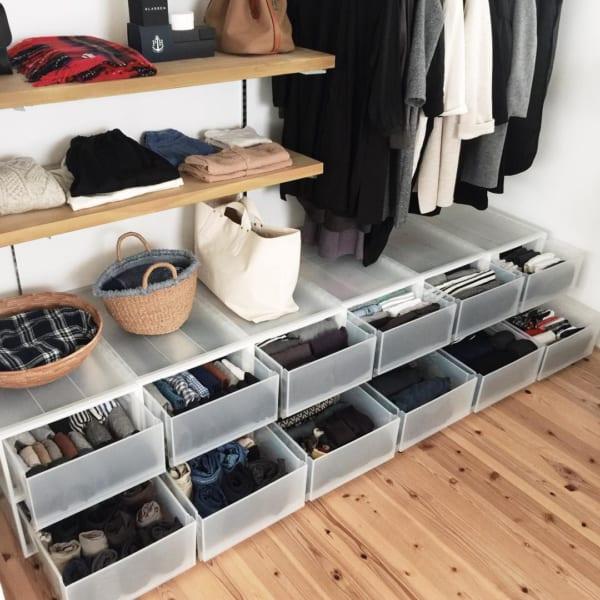 クローゼットでの衣類収納に使えるアイテム7