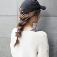 キャップで髪型をより可愛くカジュアルに!キャップを被った際のおしゃれな髪型特集