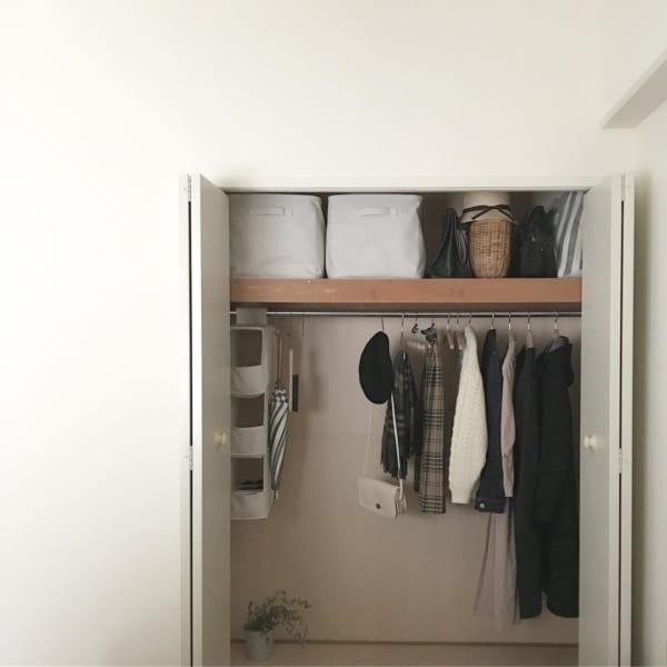 コート収納①クローゼットにコートを収納した実例4