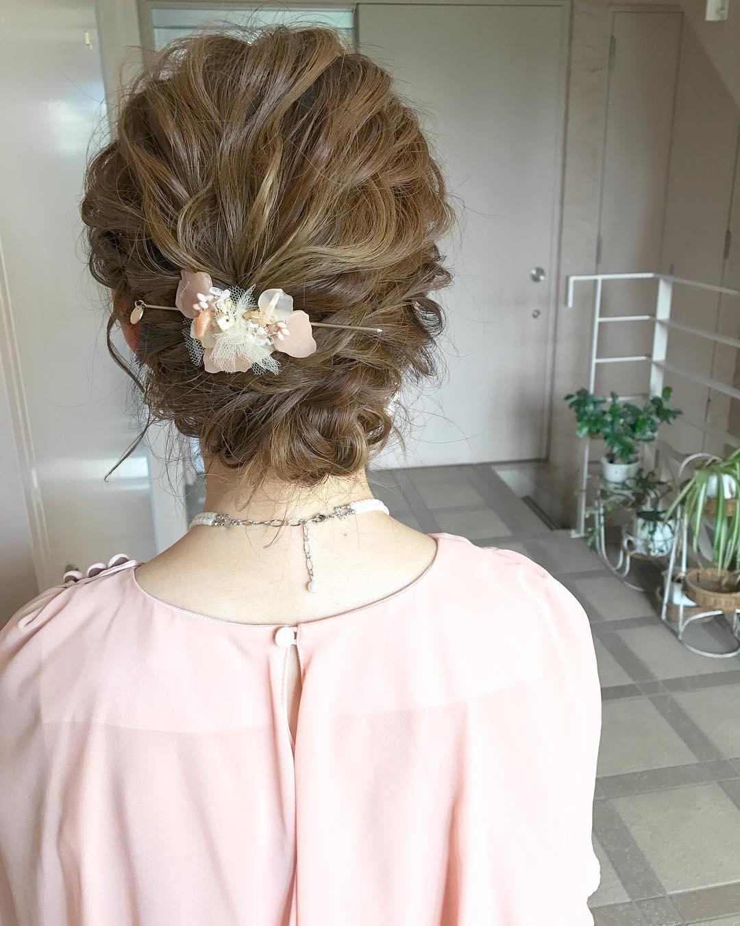 ドレスに合う髪型51選☆華やかで可愛らしい魅力的なスタイルを