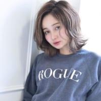 ミディアムヘアカタログ☆おしゃれで可愛らしい雰囲気が魅力のスタイルまとめ
