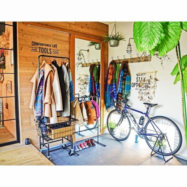 コート収納②玄関にコートの収納スペースがある実例