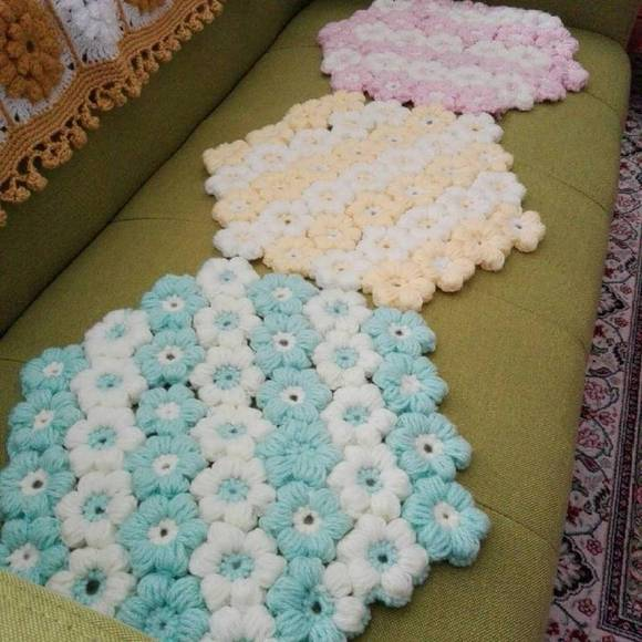 編み物パステルカラー座布団