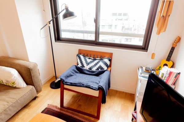 ビンテージなマンションにシックな部屋3