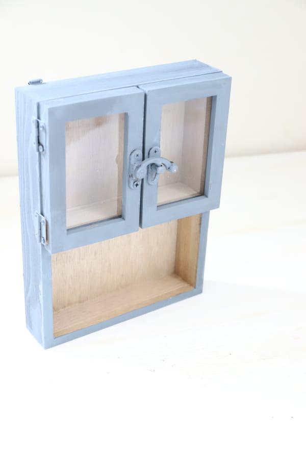 壁掛けでもテーブルでも使える2WAYボックス11