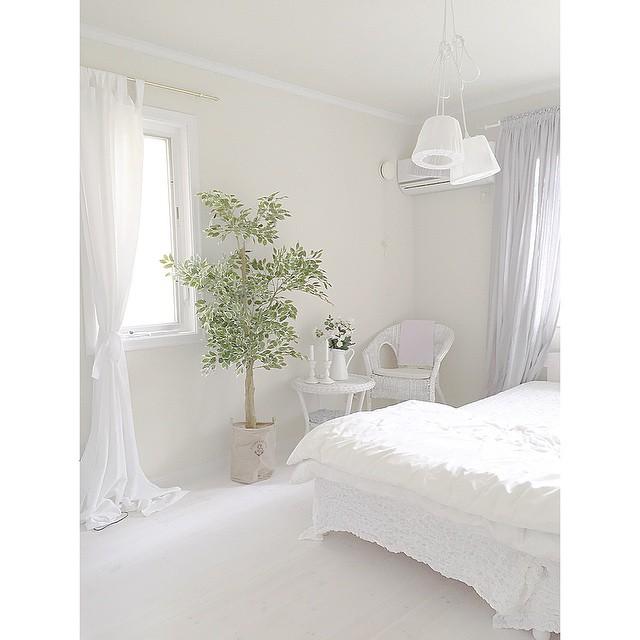 海外のホテル風ベッドルーム2