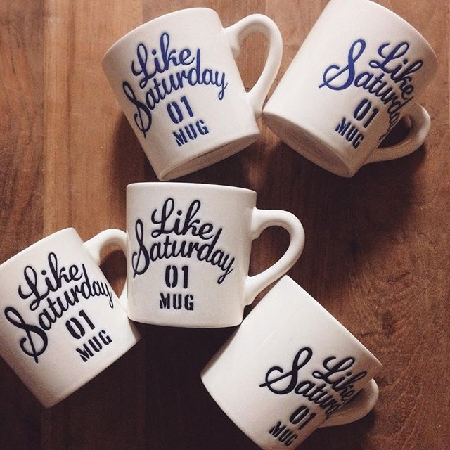 「George's」のLike Saturdayのマグカップ
