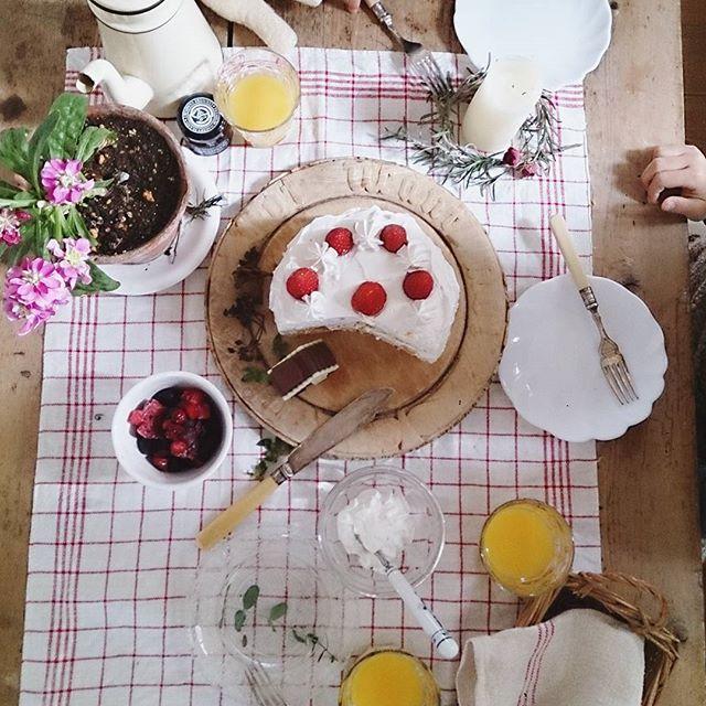 おしゃれで華やかな食卓風景4