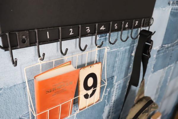 子供部屋にも玄関にも、飾れる使える10連フック3