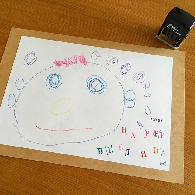 ポスターを手描きしたりお子さんの絵を飾る7