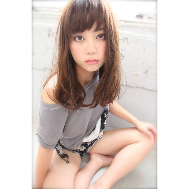 芸能人・モデル風のぱっつん前髪2