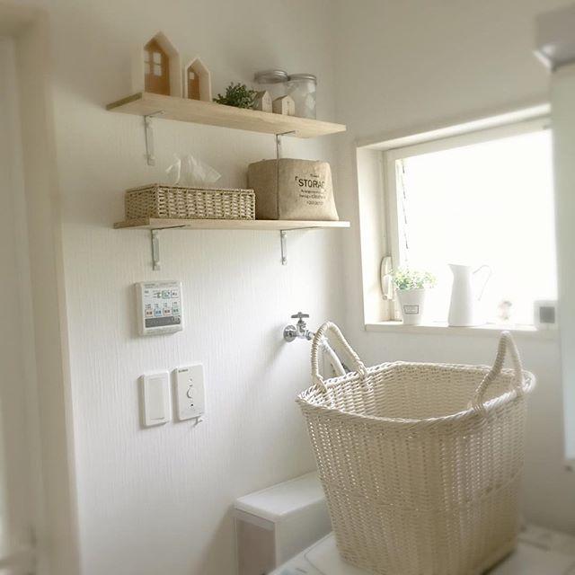 洗面所を自然素材で愛らしい収納