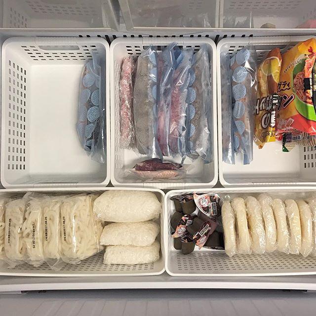 冷凍庫や野菜室の仕切り収納