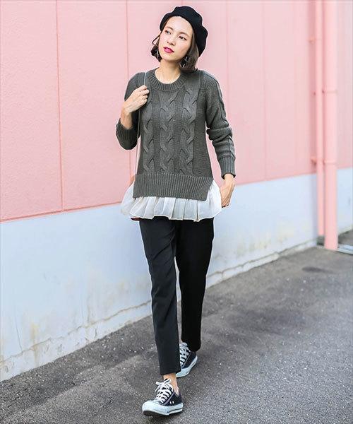 ふわふわ裾シフォン切り替えケーブル編み長袖ニット