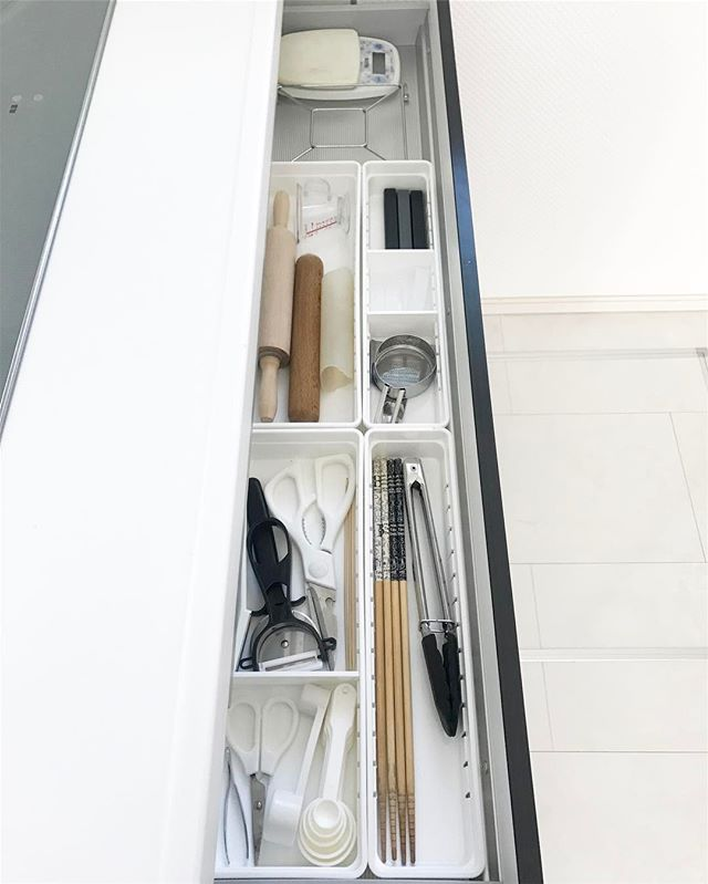調理器具、食器の収納は引き出しに入れてスッキリと3