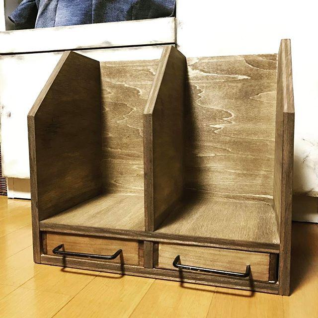ブックシェルフ×セリアの木箱