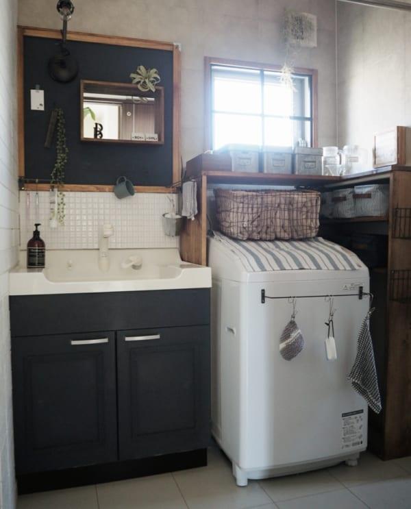 洗面台の収納3