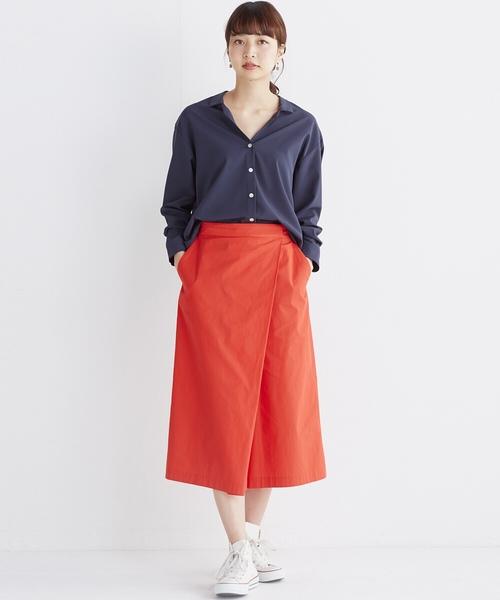 スキッパー&抜き衿のとろみシャツ