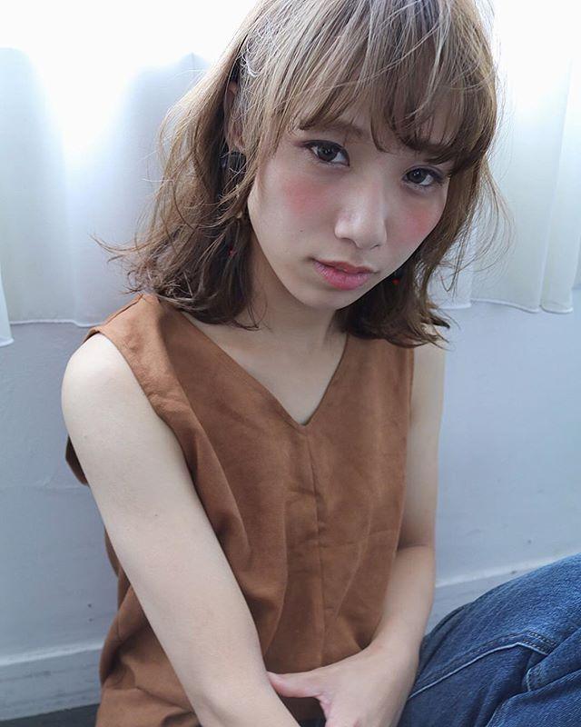 巻き髪フェミニンスタイル12